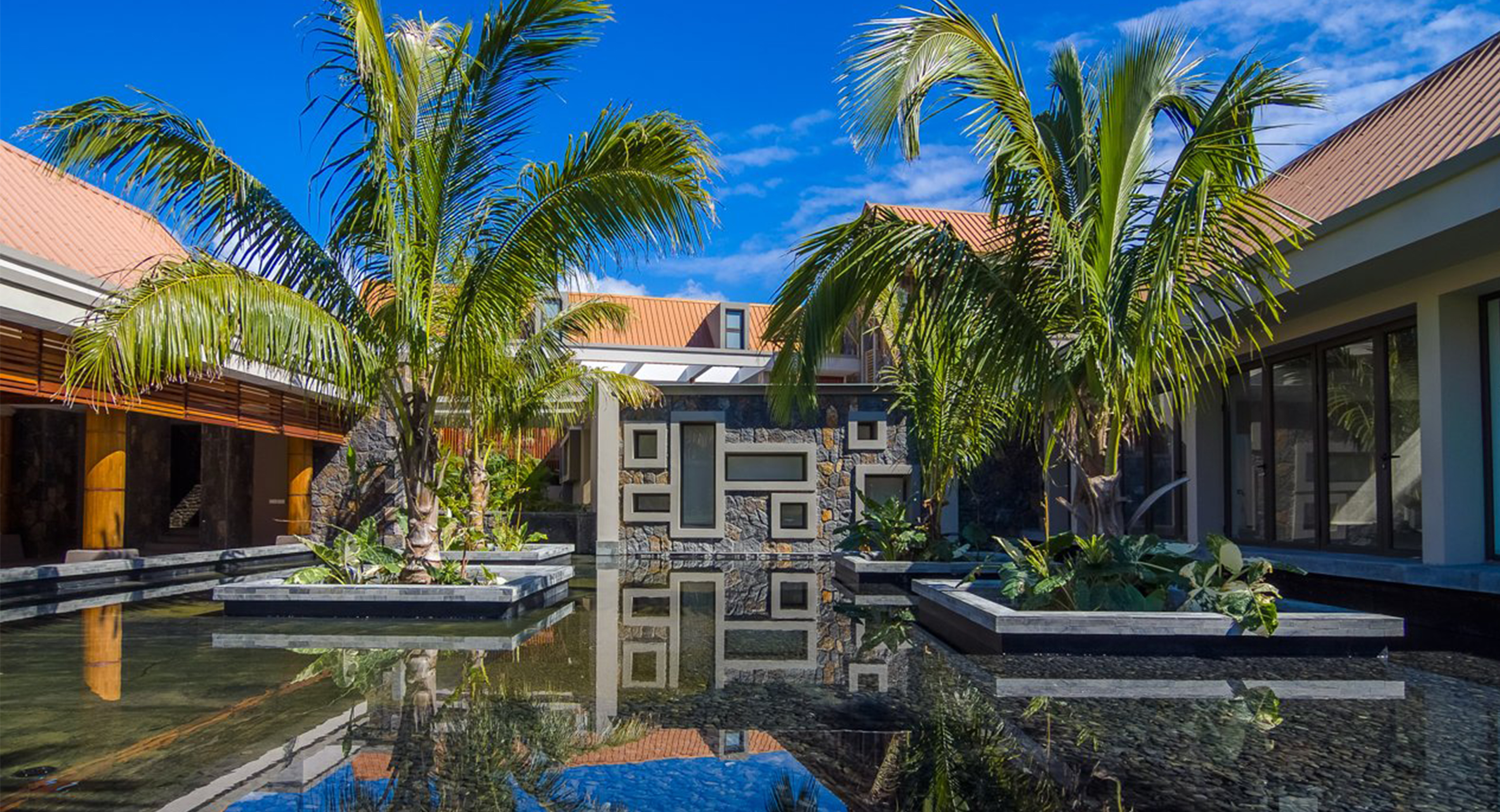 Additional services maritim crystals beach hotel for Design hotel mauritius